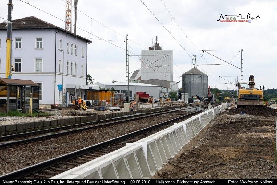Bahnsteig Gleis 2 in Bau