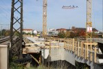 Nürnberg Doos: 03.10.10: Betonierte Öberfläche der neuen Brücke