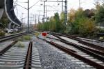 Steinbühl 25.10.10: Blickrichtung Hbf, am linken Bildrand auf Höhe der Personen im Gleis wird der Bahnsteig für die S1 entstehen