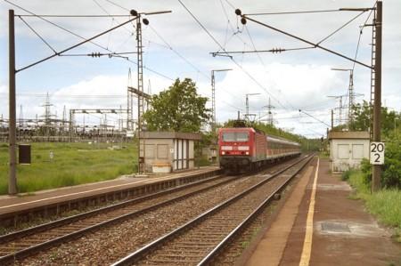 143 876-1 mit RB 35122 nach Ansbach am 21.05.2006 in Raitersaich