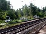 Eltersdorf, 6.8.2011. Neue Signale liegen zum Einbau bereit