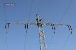Mast 8101: Die Rollen und die Ankerseile sind montiert
