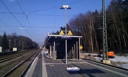 Wicklesgreuth, 15.3.2013 - Treppe vom Bahnsteig zur Unterführung Gleis 4/5