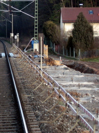 Petersaurach Nord, 15.1.2014 Fundamentblöcke des Südlichen Bahnsteigs