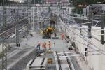 Bruck 22.08.14: Blick von der Felix-Klein-Straße: zwei Bauweichen sind ausgebaut