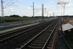 Eltersdorf 24.08.14: Hier wechselt das Gleis Bamberg - Nürnberg vorübergehend die Lage. Die Oberleitung hängt schon richtig