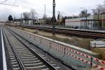 Bruck 14.12.14: Eingebauter Schotter für das S-Bahn-Gleis Nürnberg - Bamberg