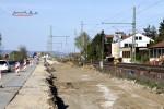 Bubenreuth 19.04.15: Neue Trasse für die Richtungsgleise Bamberg - Nürnberg; aus dem Boden ragen eingerammte H-Träger für die Mastfundamente