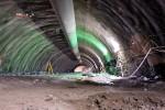 Burgbergtunnel 11.05.15:  Blick in die Kalotte mit Ortsbrust bei Meter 201,75