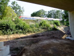 Oberasbach, 7.8.2015 - Bald wird die S-Bahn hier über eine Brücke fahren