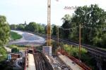 Erlangen 22.08.15: EisenErlangen 22.08.15: Brücke über die Schwabach, im Hintergrund der Damm