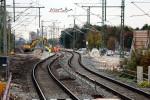 Bubenreuth 24.10.15: Blick vom östlichen Bahnsteig in Richtung Süden: links das alte Gleis, rechts die Neuverlegung