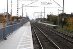 Bubenreuth 23.10.15: Blick vom nördlichen Bahnsteigende in Richtung Süden (Bestandstrasse)