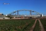 Bruck 31.10.15: Zweiter Stabbogenüberbau für die Eisenbahnbrücke BAB A3