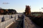 Bruck 31.10.15: Tennenloher Straße, Blickrichtung Süden; das sichtbare Stück Gleis war bereits vorher in Endlage in Betrieb