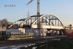 Bruck 07.12.15: Westliche Stabbogenbrücke in Endlage