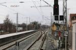 Erlangen 13.3.16: Blick vom Bahnsteigende Gleis 1 in Richtung Norden