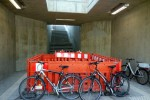 Eltersdorf 11.04.16: Neuer Treppenaufgang zum Bahnsteig. In den abgesperrten Bereich kommt der Aufzug