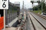 Eltersdorf 26.07.16: Die Bahnsteig-Kantensteine fehlen im Bereich des Aufzug-Zugangs noch