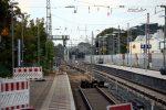 Erlangen 22.09.16:  Ausgebautes Gleis 4 und ausgehobene Baugruben für die Fahrleitungsmasten